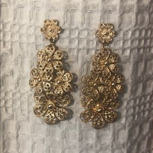 Vintage, gold-toned flower earrings